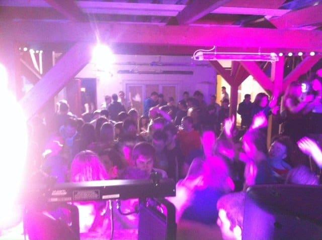 DJ-Tommy-Elliott-Wedding-Nightclub-Pub-And-Party-DJ-Kiltimagh-Mayo-Ireland-008