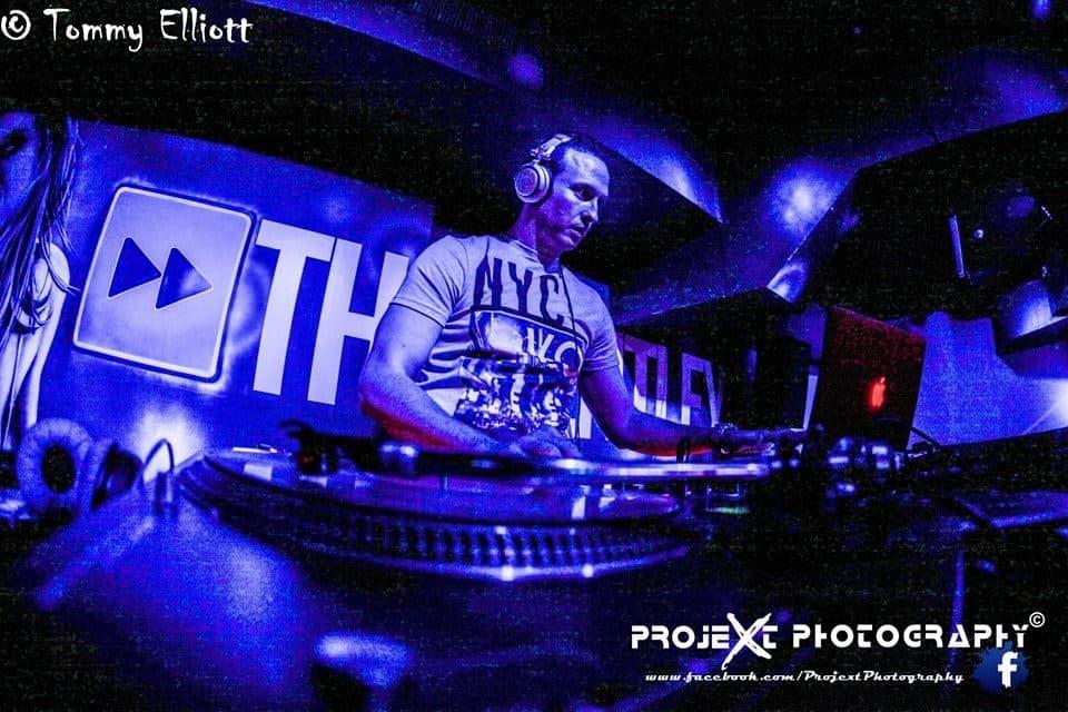 DJ-Tommy-Elliott-Wedding-Nightclub-Pub-And-Party-DJ-Kiltimagh-Mayo-Ireland-032