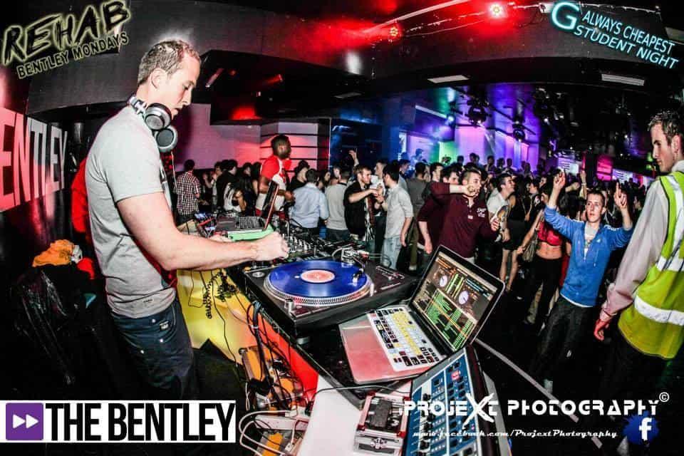 DJ-Tommy-Elliott-Wedding-Nightclub-Pub-And-Party-DJ-Kiltimagh-Mayo-Ireland-034